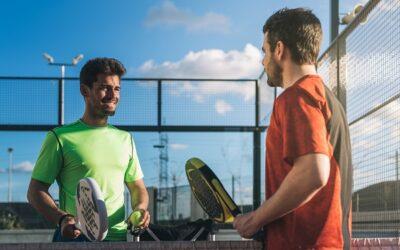 Correte da Padel Island per scoprire tutto sul tennis padel a Milano